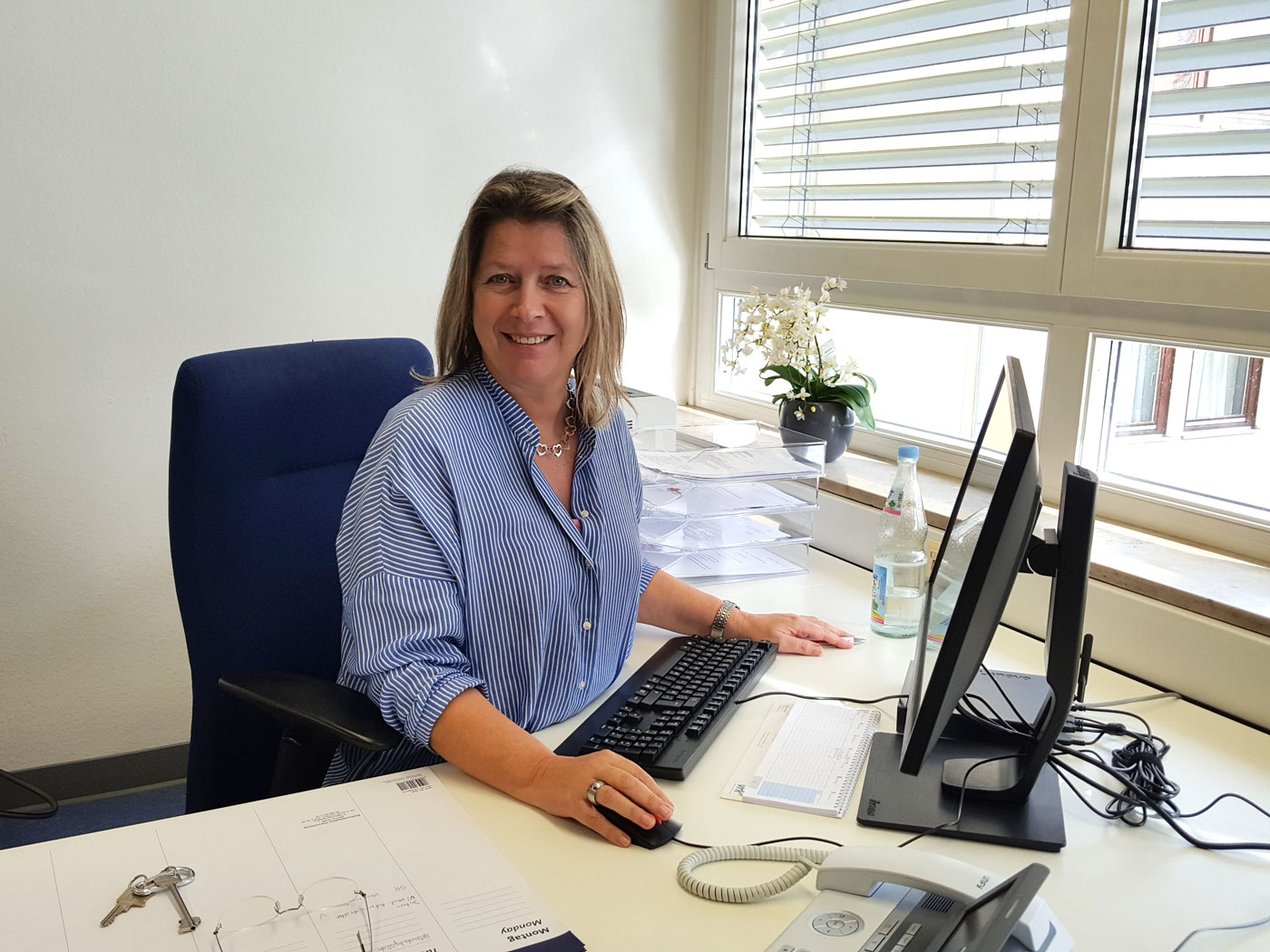 Frau Schaffert-Renz in ihrem Büro